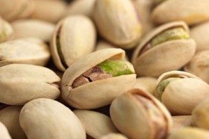 pistachios-small-nuts-with-powerful-health-benefits-600x450