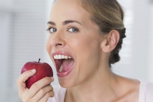 336087-woman-eating-apple45