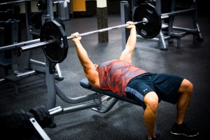 bench-press-barbell-at-la-fitness-with-derek-8