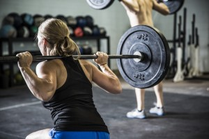 woman doing crossfit lunges