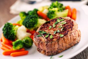 Fillet of beef with mixed vegetables.